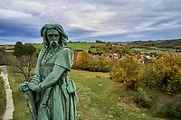 France, Côte d'Or (21), Alise-Sainte-Reine, la statue à la mémoire de Vercingétorix du sculpteur Aimé Millet au sommet du mont Auxois // France, Côte-d'Or, Alise-Sainte-Reine, Vercingétorix statue