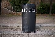 A litter bin.