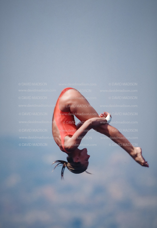 BARCELONA - JULY 27:  Veronica Ribot-Canales of Argentina competes in the Women's 10 meter Diving final at the Piscina Municipal de Montjuic on July 27, 1992 during the Summer Olympics in Barcelona, Spain.  (Photo by David Madison/Getty Images)
