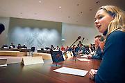 Nederland, Nijmegen, 14-2-2007 ..VMBO-scholieren spelen gemeenteraadsvergadering. Op deze manier wil de school de betrokkenheid van jongeren met de - lokale - politiek vergroten..Foto: Flip Franssen/Hollandse Hoogte