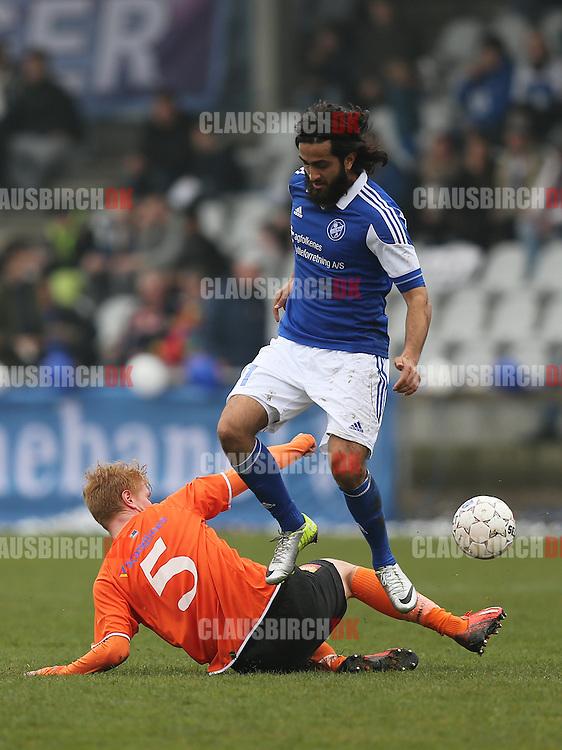 Hassan Bashir (Fremad A) tackles af Bjarke Jacobsen (FC Helsingør).