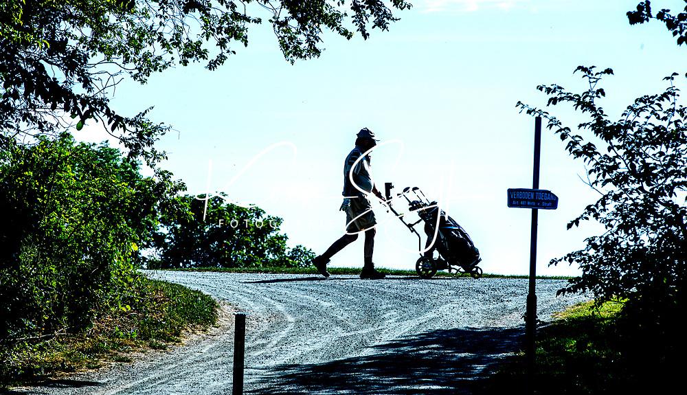 BRIELLE -  Kleiburg , golfbaan.  COPYRIGHT KOEN SUYK