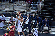 DESCRIZIONE : Bologna Lega A 2015-16 Obiettivo Lavoro Virtus Bologna - Umana Reyer Venezia<br /> GIOCATORE : Abdul Gaddy<br /> CATEGORIA : Palleggio Mani Delusione Sequenza<br /> SQUADRA : Obiettivo Lavoro Virtus Bologna<br /> EVENTO : Campionato Lega A 2015-2016<br /> GARA : Obiettivo Lavoro Virtus Bologna - Umana Reyer Venezia<br /> DATA : 04/10/2015<br /> SPORT : Pallacanestro<br /> AUTORE : Agenzia Ciamillo-Castoria/GiulioCiamillo<br /> <br /> Galleria : Lega Basket A 2015-2016 <br /> Fotonotizia: Bologna Lega A 2015-16 Obiettivo Lavoro Virtus Bologna - Umana Reyer Venezia