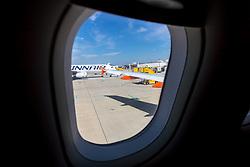 THEMENBILD - Blick aus einem Flugzeug auf den Flughafen Wien, aufgenommen am 17. Juli 2019 in Schwechat, Österreich // view from the airplane at the Vienna International Airport in Schwechat, Austria on 2019/07/17, EXPA Pictures © 2019, PhotoCredit: EXPA/ Sebastian Pucher