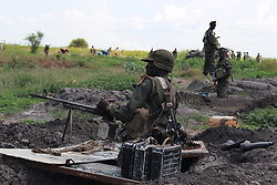 MALAKAL, Oct. 17, 2016 (Xinhua) -- South Sudan's government soldiers take position at a battle field in Alelo near South Sudan's northern town of Malakal, on Oct. 16, 2016. Fresh clashes between government and opposition forces near the northern town of Malakal have killed at least 56 over the weekend, a military spokesman said late Sunday. (Xinhua/Gale Julius) (dtf) (Credit Image: © Gale Julius/Xinhua via ZUMA Wire)