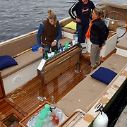 NLD/Amsterdam/20050808 - Deelnemers Sterrenslag 2005, boot Tim coronel lek