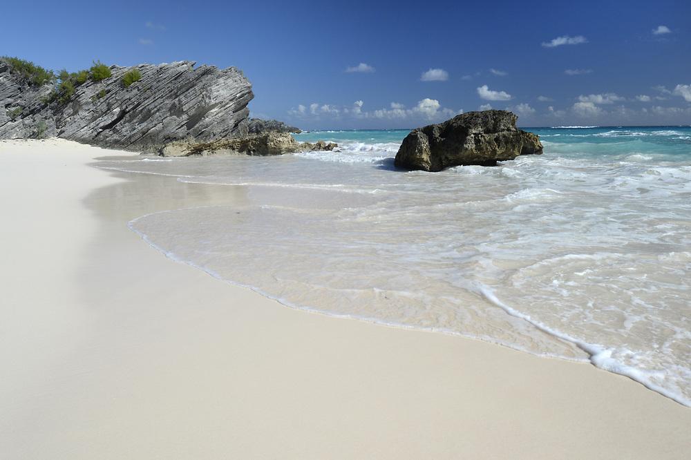 Idylic sandy beach on the island of Bermuda, a British territory in the North Atlantic Ocean.