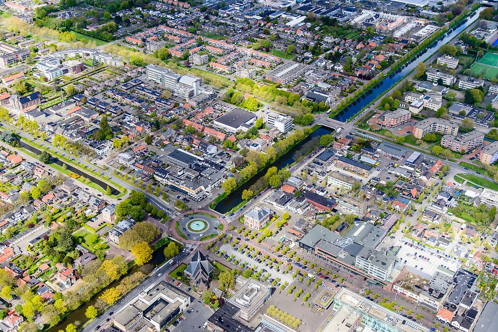 Nederland, Noord-Holland, Gemeente Haarlemmermeer, 28-04-2017; Hoofddorp, centrum Hoofddorp,<br /> met Hoofdvaart, Hoofdweg, Kruisweg, Marktplein en Beursplein.<br /> City centre Hoofddorp.<br /> luchtfoto (toeslag op standard tarieven);<br /> aerial photo (additional fee required);<br /> copyright foto/photo Siebe Swart
