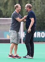 ROTTERDAM -HOCKEY - ABN AMRO CUP , als voorbereiding op de competitie.  Hurley coach Simon Organ met Bloemendaal coach Michel van den Heuvel.  COPYRIGHT KOEN SUYK