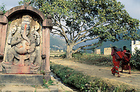 Nepal - Vallée de Kathmandu - Village de Sankhu - Statue de Ganesh, dieu à tête d'éléphant