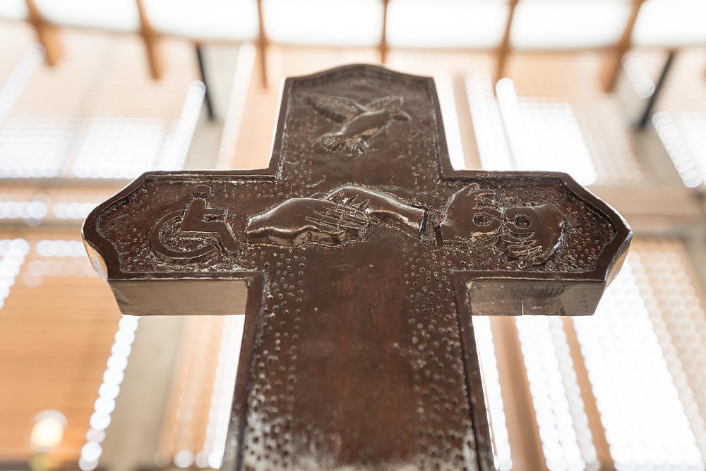 12 June 2018, Geneva, Switzerland: Okiki, a deaf person from Nairobi, has carved and painted a cross, to be handed as a gift for Pope Francis, be presented to him during his pilgrimage to the World Council of Churches and the Ecumenical Institute at Château de Bossey on 21 June 2018. Here, the cross inside the Ecumenical Centre chapel in Geneva.