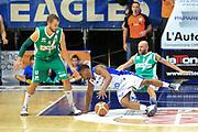 DESCRIZIONE : Cantù Lega A 2013-14 Pallacanestro Cantù Sidigas Avellino<br /> GIOCATORE : Ragland Joe<br /> CATEGORIA : Palleggio<br /> SQUADRA : Pallacanestro Cantù<br /> EVENTO : Campionato Lega A 2013-2014<br /> GARA : Pallacanestro Cantù Sidigas Avellino<br /> DATA : 10/11/2013<br /> SPORT : Pallacanestro <br /> AUTORE : Agenzia Ciamillo-Castoria/I.Mancini<br /> Galleria : Lega Basket A 2013-2014  <br /> Fotonotizia :  Cantù Lega A 2013-14 Pallacanestro Cantù Sidigas Avellino<br /> Predefinita :