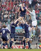 Twickenham, Surrey, UK., 7th December 2004, Varsity Match, Oxford University RFC vs Cambridge University RFC, RFU Stadium, [Mandatory Credit: Pete Spurrier/Intersport Images],<br /> Oxfords David Lubans takes the line out ball.