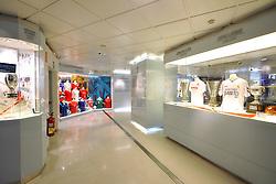 THEMENBILD, ESTADIO SANTIAGO BERNABEU, es ist das Fußballstadion des spanischen Vereins Real Madrid. Es liegt im Zentrum der Stadt Madrid im Viertel Chamartin. Seit der letzten Modernisierung im Jahr 2005 fasst es 80.354 Zuschauer und ist seit 14. November 2007 als UEFA-Elite-Stadion ausgezeichnet, der hoechsten Klassifikation des Europaeischen Fußballverbandes. Das Stadion wurde am 14. Dezember 1947 als Nuevo Estadio Chamartin mit 75.000 Plaetzen offiziell eroeffnet. Am 14. Januar 1955 stimmte die Mitgliederversammlung des Klubs für die Umbenennung des Stadions zu Ehren des damaligen Vereinspraesidenten Santiago Bernabeu, nach dessen Vision die Spielstaette gebaut wurde. Im Bild Vitrine im Museum. Bild aufgenommen am 27.03.2012. EXPA Pictures © 2012, PhotoCredit: EXPA/ Eibner/ Michael Weber..***** ATTENTION - OUT OF GER *****