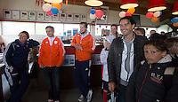 ABCOUDE - VOLVO JUNIOR CUP hockey . Abcoude C1 , met Alyson Annan als coach, en Heerhugowaard met Dave Smolenaars als coach,  strijden in Abcoude om de cup. Heerhugowaard wint met 3-1. De teams werden gesteund door spelers van Jong Oranje. COPYRIGHT KOEN SUYK