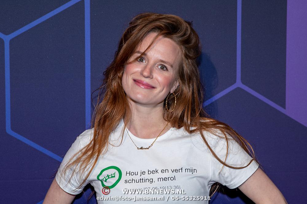 NLD/Amsterdam/20190613 - Inloop uitreiking De Beste Social Awards 2019, Merel Balde