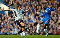 Photo: Ed Godden.<br />Chelsea v Everton. The Barclays Premiership. 17/04/2006.<br />Everton's Tim Cahill (L) and Claude Makelele battle.