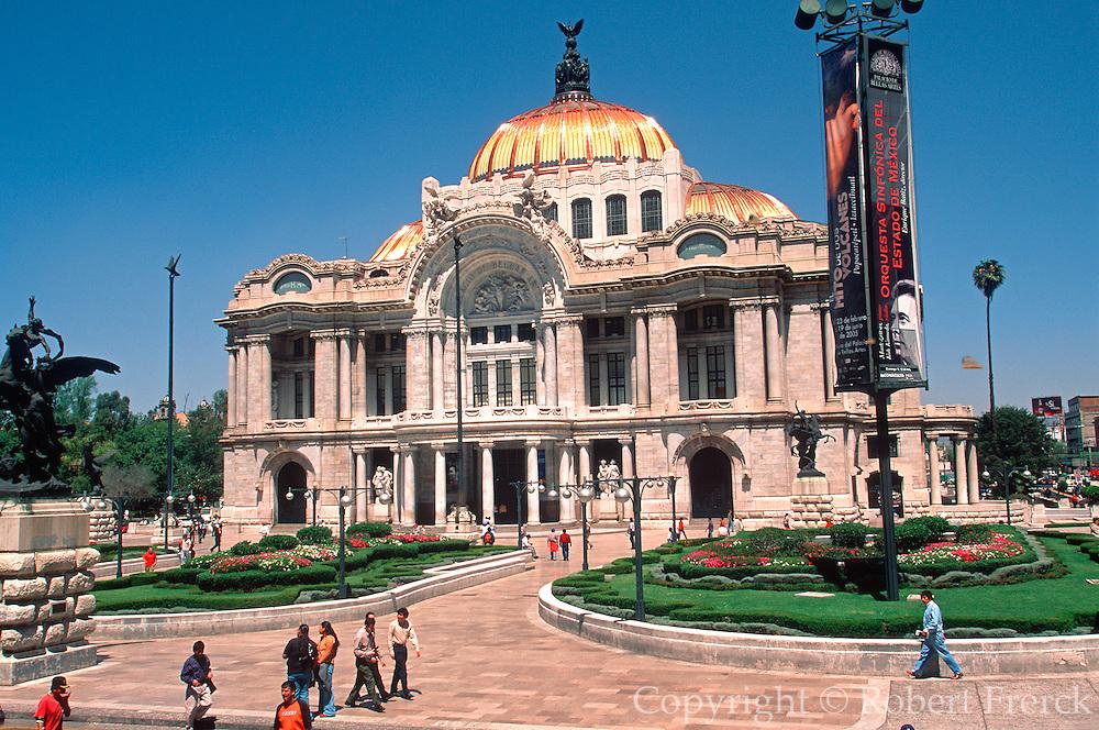 MEXICO, MEXICO CITY Bellas Artes Theatre, Ballet Folklorico