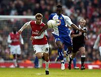 Photo: Olly Greenwood.<br />Arsenal v Blackburn Rovers. The FA Cup. 17/02/2007. Blackburn's Shabani Nonda and Arsenal's Mathieu Flamini