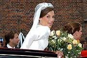 Zijne Hoogheid Prins Floris van Oranje Nassau, van Vollenhoven en mevrouw mr. A.L.A.M. Söhngen zijn zaterdag 22 oktober in de kerk van Naarden in het  huwelijk getreden. De prins is de jongste zoon van Prinses Magriet en Pieter van Vollenhoven.<br /> <br /> Church Wedding Prince Floris and Aimée Söhngen. <br /> <br /> Church Wedding Prince Floris and Aimée Söhngen in Naarden. The Prince is the youngest son of Princess Margriet, Queen Beatrix's sister, and Pieter van Vollenhoven. <br /> <br /> Op de foto / On the photo;<br /> <br /> <br /> <br /> Prinses Aimée Leonie Allegonde Marie Söhngen <br /> Pricess Aimée Leonie Allegonde Marie Söhngen