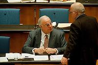 05 FEB 1998, BONN/GERMANY:<br /> Helmut Kohl, CDU, Bundeskanzler, und Norbert Blüm, CDU, Bundesarbeitsminister, Debatte über die Bekämpfung der Arbeitslosigkeit im Deutschen Bundestag<br /> IMAGE: 19980205-01/01-08<br />  <br />  <br />  <br /> KEYWORDS: Bluem