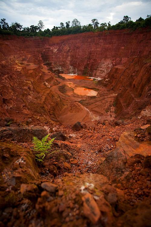 Parauapebas_PA, Brasil...Mina de Ouro desativada na Floresta Nacional de Carajas, Para...Gold Mine off at the Carajás National Forest, Para...Foto: JOAO MARCOS ROSA / NITRO