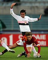 Fotball<br /> Serie A Italia<br /> Foto: Graffiti/Digitalsport<br /> NORWAY ONLY<br /> <br /> Roma 11/12/2005 <br /> Roma Palermo 1-2 <br /> <br /> Francesco Totti Roma and Simone Barone Palermo
