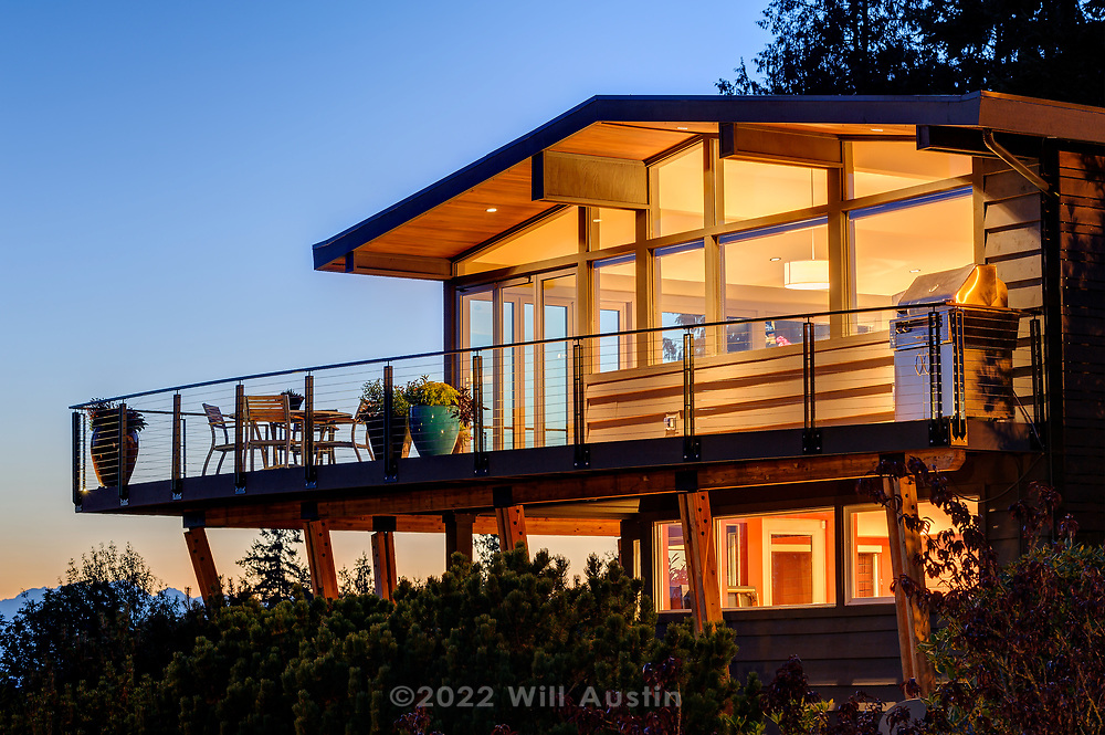 West Seattle residence using Feeney CableRail
