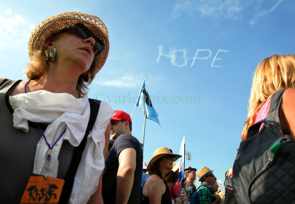 02 May 2015. New Orleans, Louisiana.<br /> The New Orleans Jazz and Heritage Festival. <br /> 'Hope' floats. A busy day at the festival with huge crowds. <br /> Photo; Charlie Varley/varleypix.com