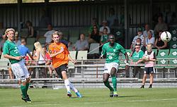 Anders Holst (FC Helsingør) afslutter under kampen i 2. Division Øst mellem Boldklubben Avarta og FC Helsingør den 19. august 2012 i Espelunden. (Foto: Claus Birch).