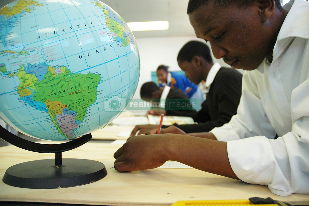 Photo © Eric Miller/2005Copyright restrictions exist in the use of this image. Check permissions with SIDA or Photographer.emiller@iafrica.com