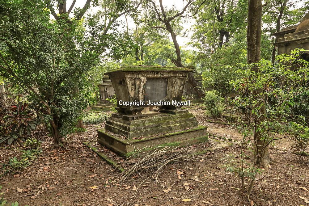 20171029 Kolkata Calcutta Indien<br /> South Park street cemetery<br /> En otroligt vacker Kyrkogård<br /> <br /> ----<br /> FOTO : JOACHIM NYWALL KOD 0708840825_1<br /> COPYRIGHT JOACHIM NYWALL<br /> <br /> ***BETALBILD***<br /> Redovisas till <br /> NYWALL MEDIA AB<br /> Strandgatan 30<br /> 461 31 Trollhättan<br /> Prislista enl BLF , om inget annat avtalas.