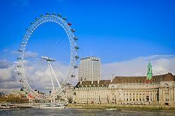 O County Hall, casa do Aquário de Londres, e o London Eye na margem sul do rio Tamisa, em Londres, Inglaterra. FOTO: Jefferson Bernardes/ Agência Preview