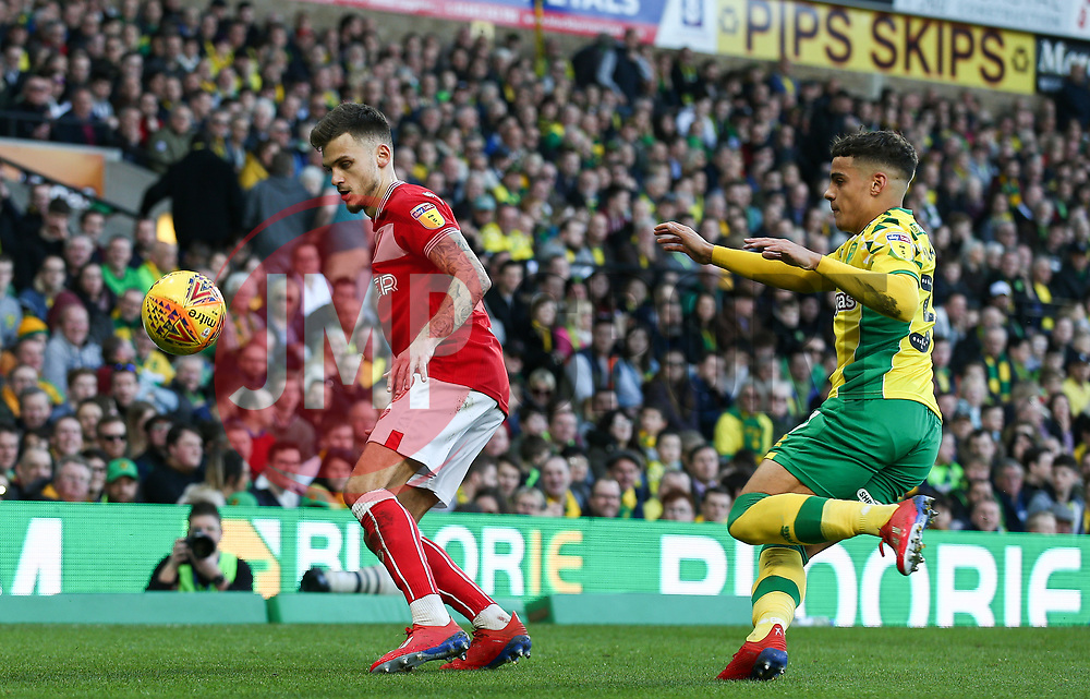 Jamie Paterson of Bristol City holds up the ball under pressure - Mandatory by-line: Arron Gent/JMP - 23/02/2019 - FOOTBALL - Carrow Road - Norwich, England - Norwich City v Bristol City - Sky Bet Championship