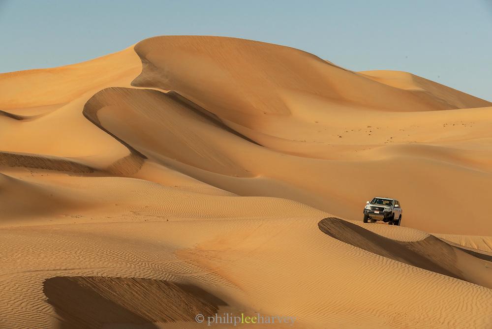 Rub al Khali or Empty Quarter is the sand desert encompassing most of the southern third of the Arabian Peninsula. The desert covers some 650, 000 square kilometers, Abu Dhabi, United Arab Emirates