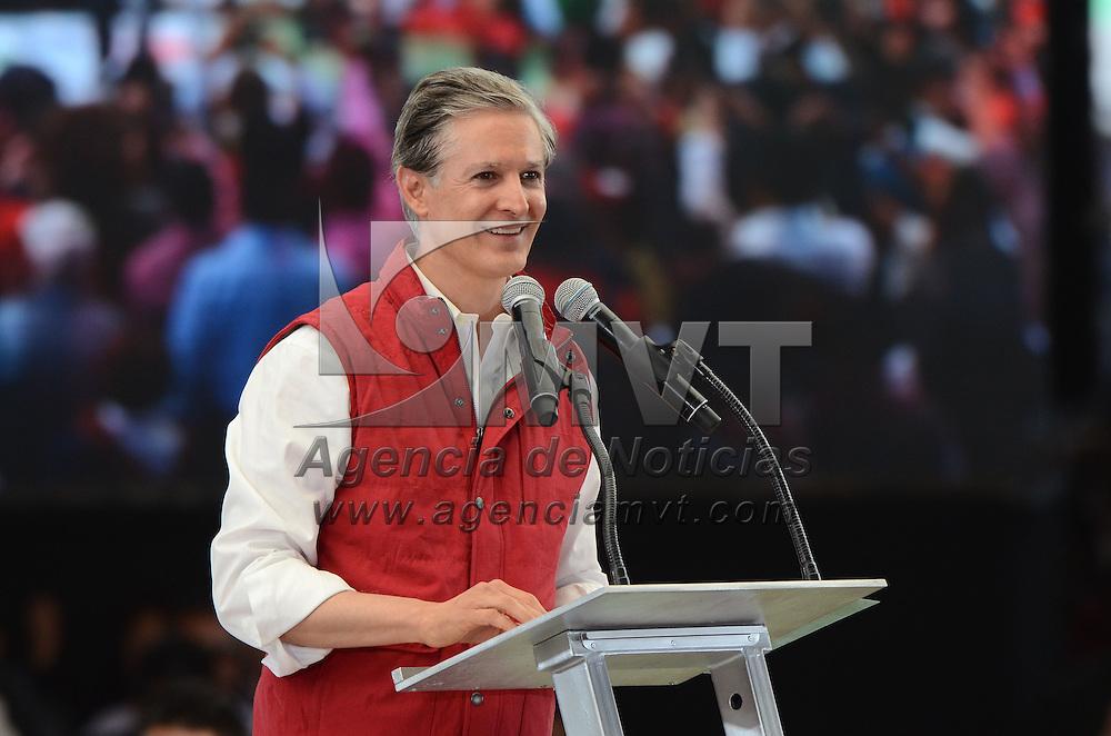Ecatepec, México (Marzo 03, 2017).- Alfredo del Mazo Maza, durante asamblea de delegados del PRI, donde recibió su constancia como candidato del PRI a gobernador del Estado de México. Agencia MVT / Arturo Hernández.
