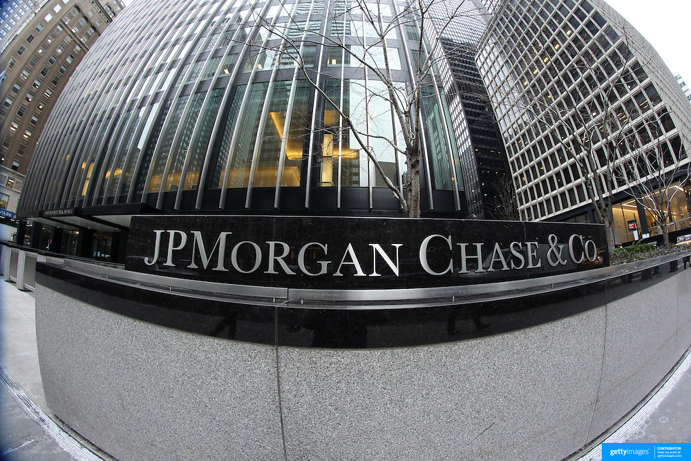 The JP Morgan Chase & Co. headquarters, The JP Morgan Chase Tower in Park Avenue, Midtown, Manhattan, New York. JPMorgan Chase & Co. is an American multinational banking and financial services holding company. It is the largest bank in the United States. Manhattan, New York, USA. 27th January 2014. Photo Tim Clayton