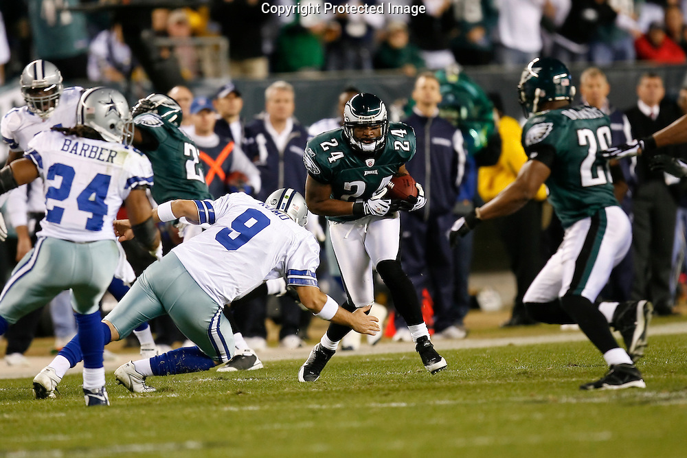 28 Dec 2008: Philadelphia Eagles cornerback Sheldon Brown #24 runs the ball after intercepting a pass during the game against the Dallas Cowboys on December 28th, 2008. The Philadelphia Eagles won 44-6 at Lincoln Financial Field in Philadelphia, Pennsylvania.