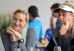 15-07-2014 NED: Persconferentie FIVB Grand Slam Beachvolleybal, Scheveningen<br /> (L-R) Kerri Walsh, April Ross