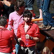 NLD/Amsterdam/20070804 - Gaypride Canalparade 2007, SBS Showboot, Mari van der Ven