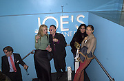 Clare de Jong, Antony Fawcett, Carla Smith and Gyunel Boateng. Marni shop opening. Sloane St. London. 25 October 2000. © Copyright Photograph by Dafydd Jones 66 Stockwell Park Rd. London SW9 0DA Tel 020 7733 0108 www.dafjones.com
