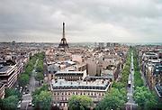 Frankrijk, Parijs, 15-10-2000Eifeltoren vanaf de Arc de Triomphe.Foto: Flip Franssen/Hollandse Hoogte