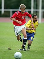 Fotball, 19. juli 2005, Privat-turnering, G17, Sverige - Norge 0-1,   Thomas Jørgensen, Fredrikstad og Norge mot Moses Reed, Sverige