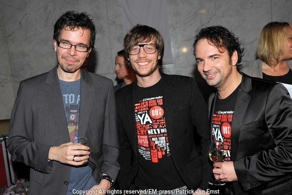 AVRO Radiogala 2011 in het Stadhuis van Hilversum.<br /> <br /> Op de foto:  Michiel Veenstra, Giel Beelen en Gerard Ekdom
