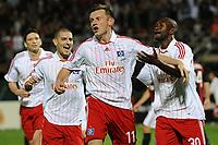 Fotball<br /> Italia<br /> Foto: Witters/Digitalsport<br /> NORWAY ONLY<br /> <br /> 06.01.2009<br /> <br /> 1:1 Jubel HSV v.l. Mladen Petric, Ivica Olic, Torschuetze Collin Benjamin<br /> <br /> Fussball Dubai Football Challenge 2009, Hamburger SV - AC Milan
