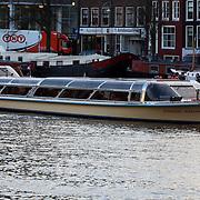 NLD/Amsterdam/20080201 - Verjaardagsfeest Koninging Beatrix en prinses Margriet, rondvaartboot met alle koninklijke gasten