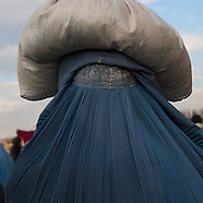2006 Afghanistan.  women in Kabul . AFG486