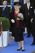 Hare Majesteit de Koningin woont dinsdagmiddag 12 maart in Bergen (NH) de viering bij van het 50-jarig bestaan van de Europese School Bergen.<br />  <br /> De Europese School is opgericht door de Europese Unie en biedt meertalig onderwijs aan kinderen van werknemers van Europese instellingen en internationale bedrijven. <br /> <br /> Her Majesty the Queen visits on Tuesday 12 March in Bergen (NH) the celebration of the 50th anniversary of the European School Bergen.<br />  <br /> The European School was founded by the European Union and provides multilingual education to children of employees of EU institutions and international companies.<br /> <br /> Op de foto / On the Photo:  Vertrek koningin Beratrix / Queen Beatrix leaves