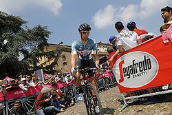 May 18, 2018 - Nervesa Della Battaglia, ITALY - Belgian Jens Debusschere of Lotto Soudal rides the stage 13 of the 101st edition of the Giro D'Italia cycling tour, 180km from  Ferrara to Nervesa della Battaglia, Italy, Friday 18 May 2018...BELGA PHOTO YUZURU SUNADA FRANCE OUT (Credit Image: © Yuzuru Sunada/Belga via ZUMA Press)