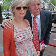 NLD/Amsterdam/20110731 - Premiere circus Hurricane met Hans Klok, Paul van Vliet en partner Lidewij de Jongh